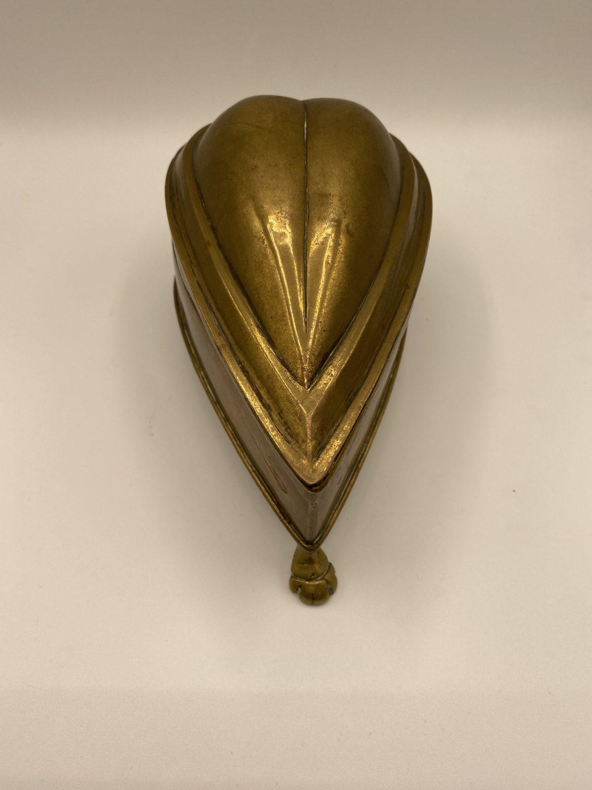 G7 - A WWI Trench Art Trinket Box.  £48
