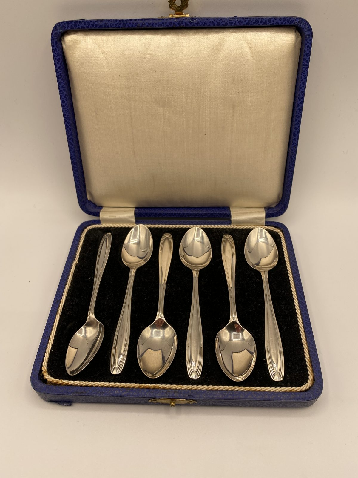 G3 - A Boxed Set of 6 Art Deco Silver Spoons, Birmingham 1930.  £76