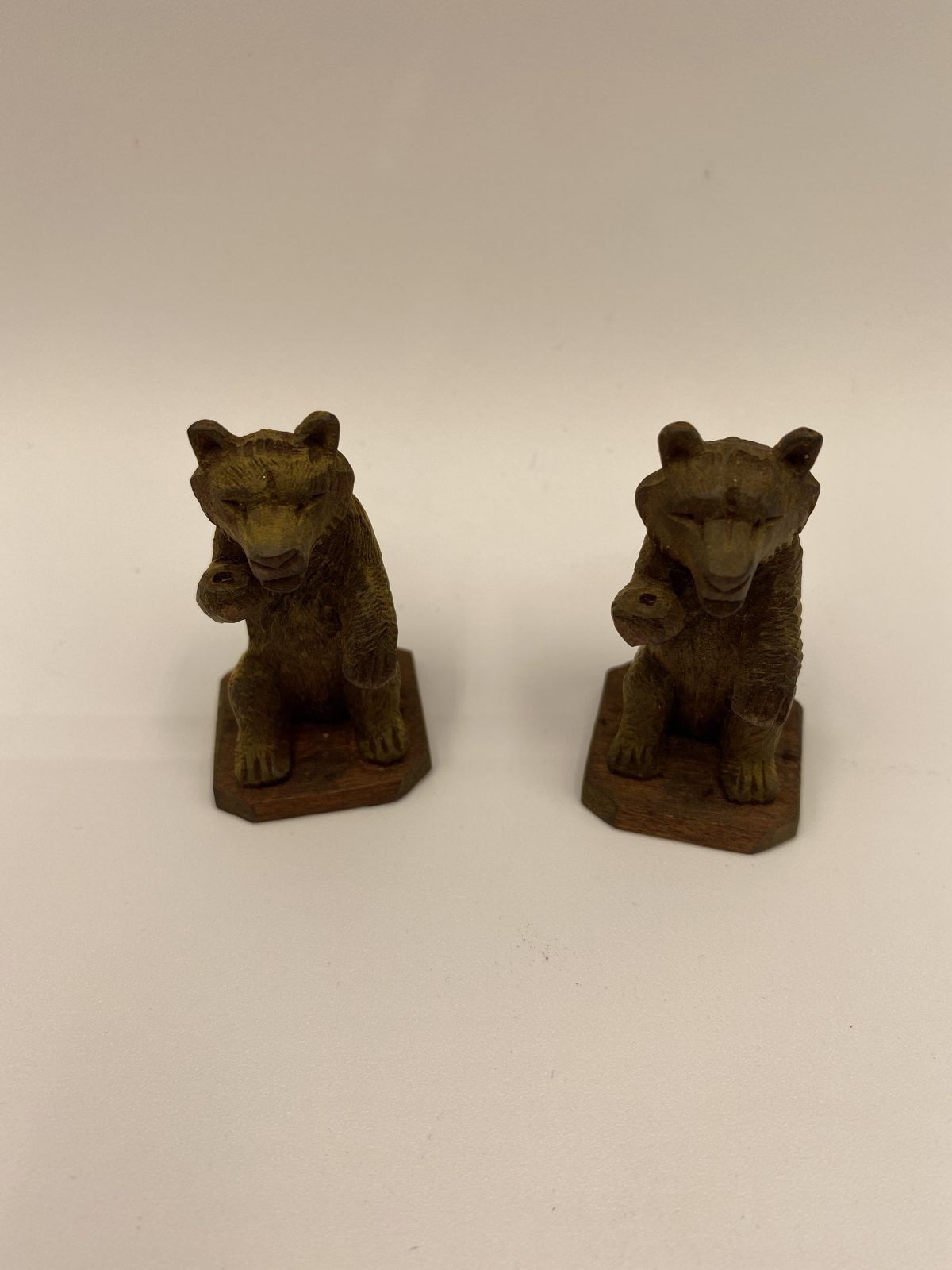 G7 - A Pair of Small Black Forest Bear chess pieces.   £30