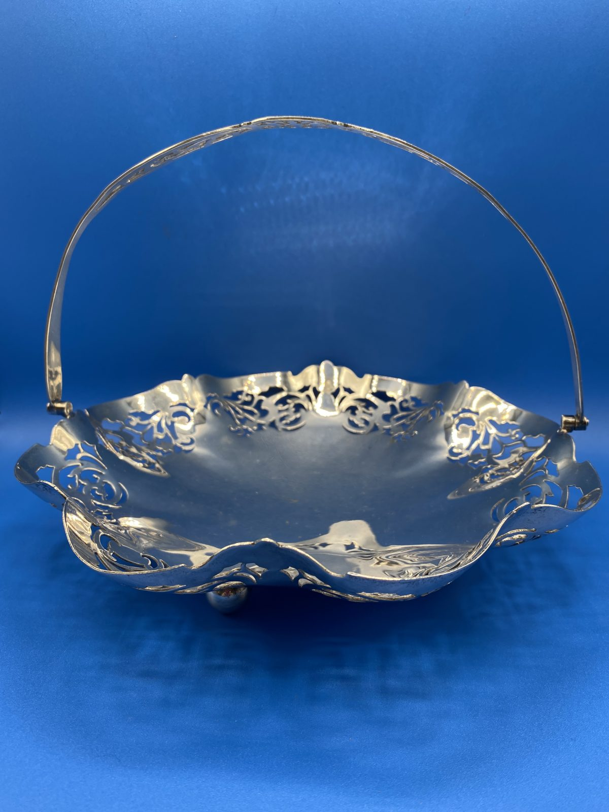 G3 - A Pierced Silver Plated Fruit Basket.   £38